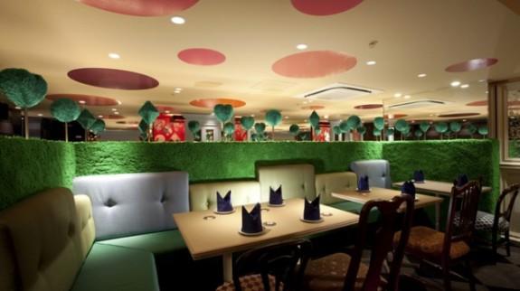 alice-in-wonderland-restaurant3-620x413