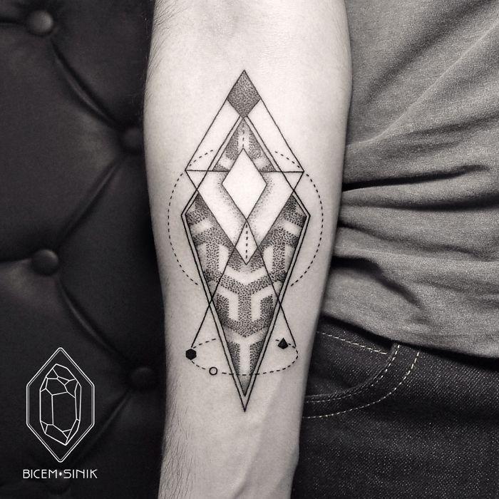 dotwork-line-geometric-tattoo-bicem-sinik-8